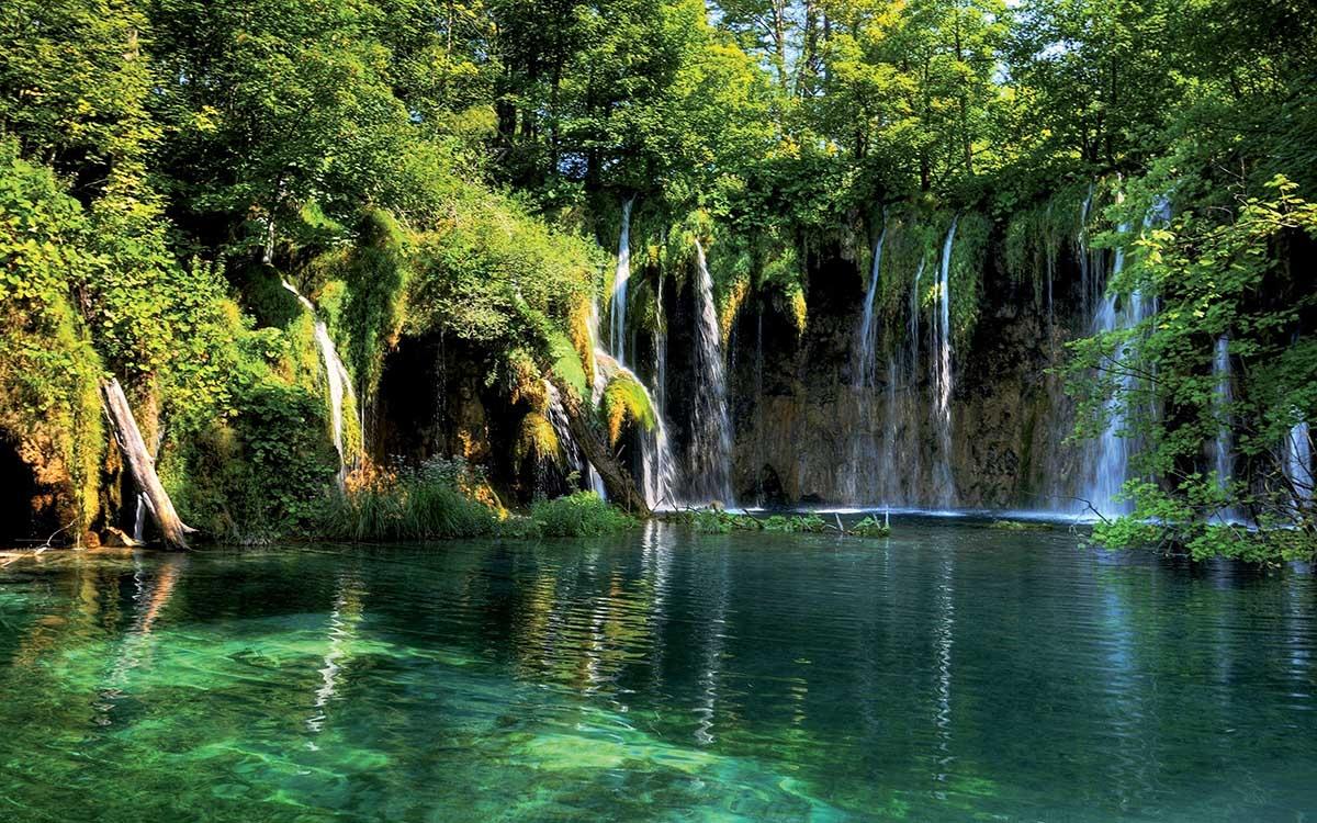 Những hồ nước đẹp như tranh tạo nên khung cảnh thần tiên trên Trái đất - 12