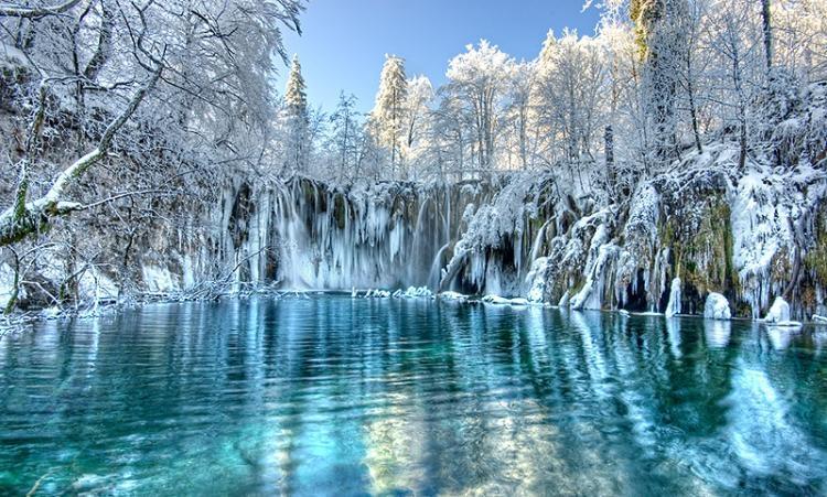 Những hồ nước đẹp như tranh tạo nên khung cảnh thần tiên trên Trái đất - 13
