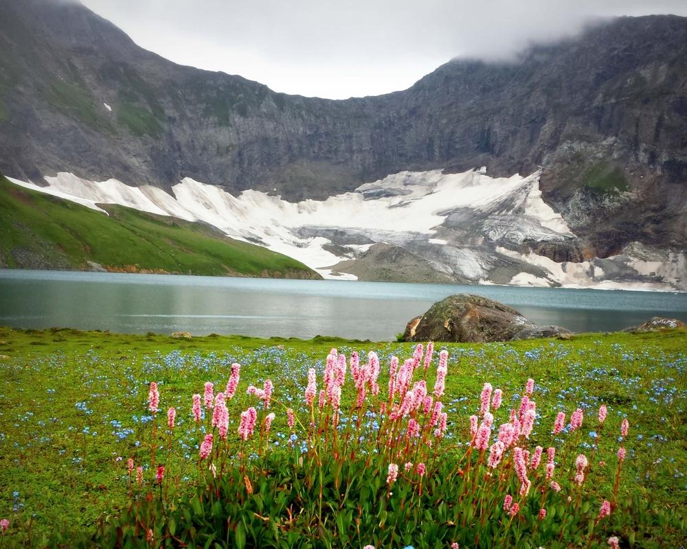 Những hồ nước đẹp như tranh tạo nên khung cảnh thần tiên trên Trái đất - 15