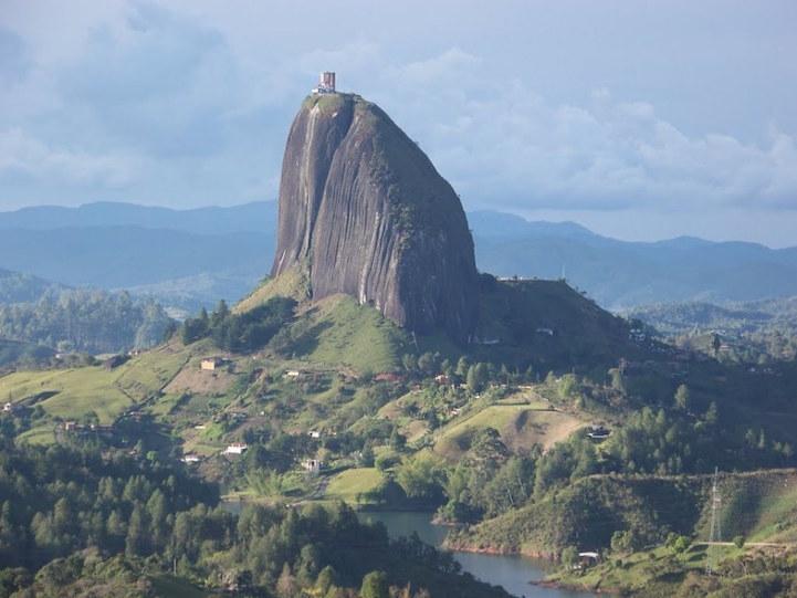 ly giai chu cai tren tang da cao 2135 m thu hut khach du lich tai colombia