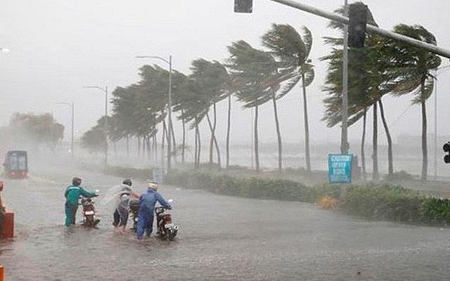 Dự báo thời tiết hôm nay ngày 15/11/2020: Miền Trung hứng bão số 13 mưa to