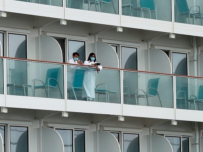 """Bên trong """"chuyến du ngoạn đến hư không"""" đầu tiên ở Singapore"""