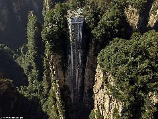 Cùng trải nghiệm thang máy ngoài trời cao nhất thế giới