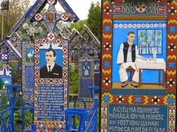 """Nghĩa trang """"vui vẻ"""" ở Romania"""