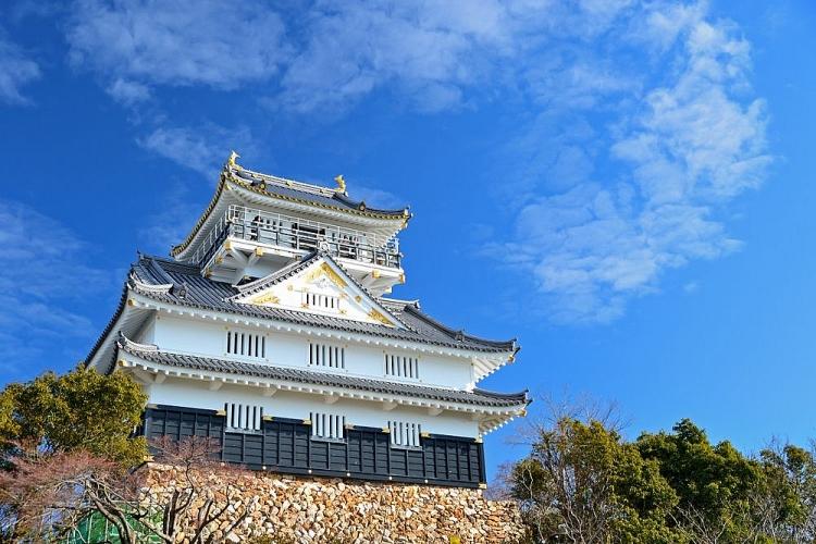 Kỷ lục, lâu đài được xây dựng trong một đêm
