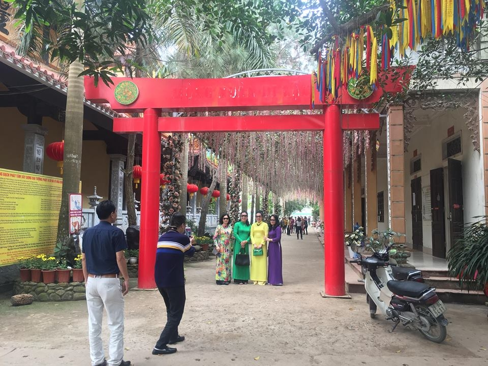 ha noi can canh dai tuong phat lon nhat dong nam a