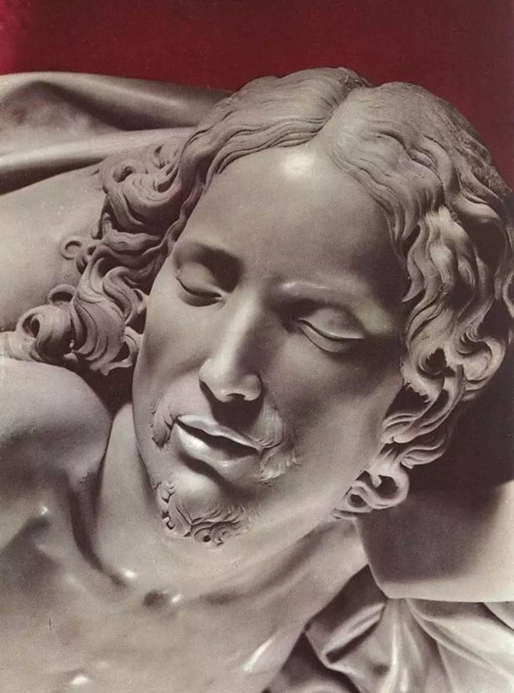 Pietà - Kiệt tác điêu khắc đẹp nhất của Michelangelo