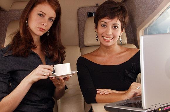 8 loại thực phẩm bạn không nên ăn trước khi đi máy bay