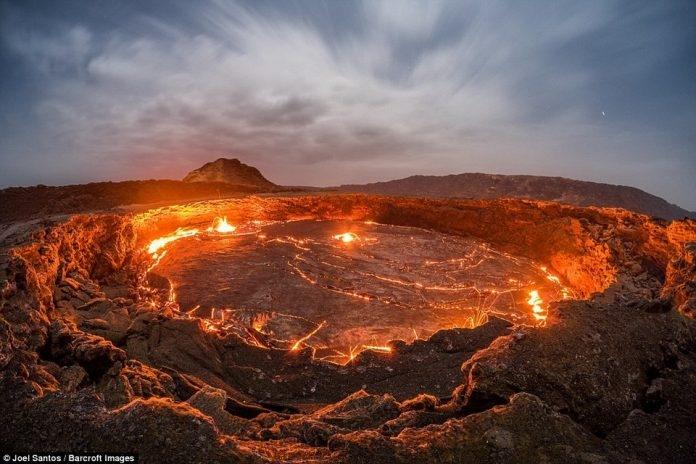 """Cận cảnh núi lửa Etra Ale ở Ethiopia - Nơi được mệnh danh là """"Cổng địa ngục"""""""
