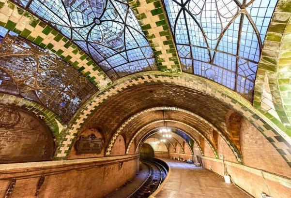 Choáng ngợp trước những ga tàu điện ngầm đẹp nhất thế giới