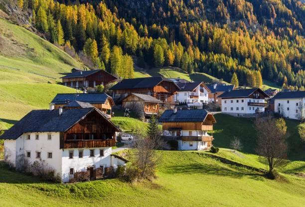 9 ngôi làng cổ tích dành cho những ai muốn trốn phố thị xô bồ