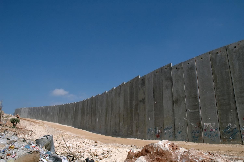 Khám phá những bức tường kỳ lạ và ấn tượng - 4