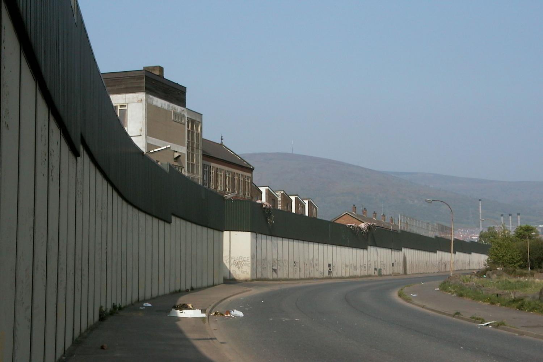 Khám phá những bức tường kỳ lạ và ấn tượng - 6