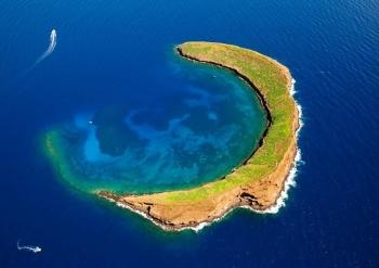 """7 hòn đảo tự nhiên có hình dáng """"khác lạ"""""""