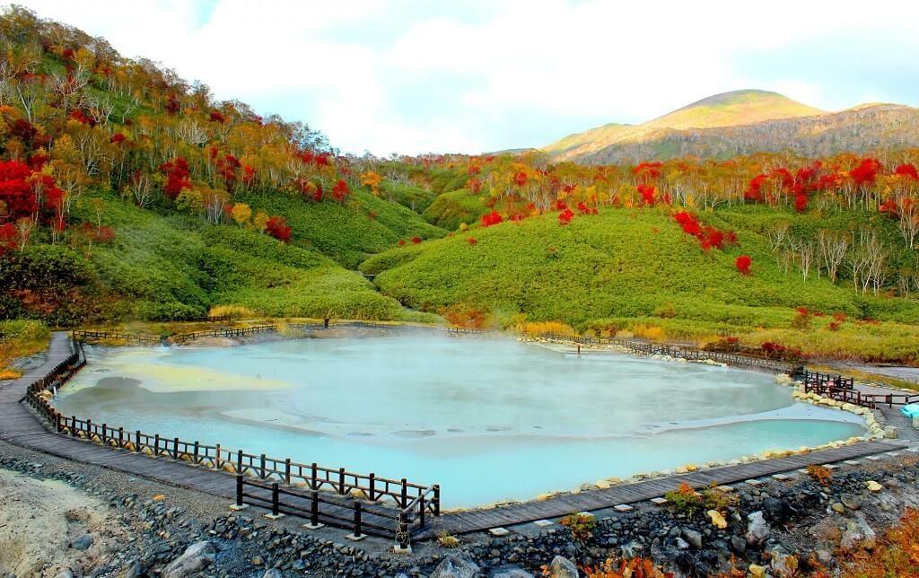 Trải nghiệm 6 thiên đường suối nước nóng ở Nhật Bản