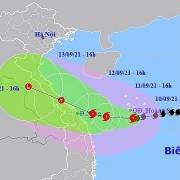 Bão giật cấp 12 hướng vào miền Trung; mưa lớn, có nơi trên 350mm