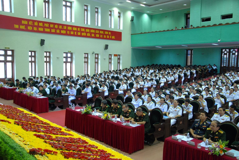 Đại tướng Phùng Quang Thanh phát biểu tại Đại hội Đảng bộ Quân chủng Hải quân lần thứ XI, nhiệm kỳ 2010-2015 (tháng 12/2010)