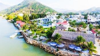 Về ngoại thành thăm làng du lịch…