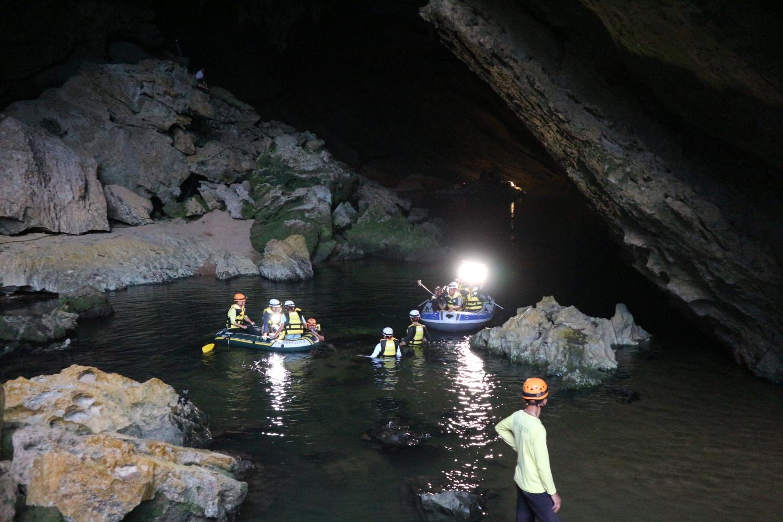 """""""Cuộc đua kỳ thú"""" được thực hiện trong hang Trạ Ang"""