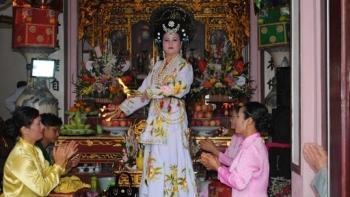 Độc đáo phong tục thờ Mẫu