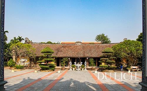Thăm chùa Thái Lạc, chiêm ngưỡng nghệ thuật chạm khắc gỗ thời Trần