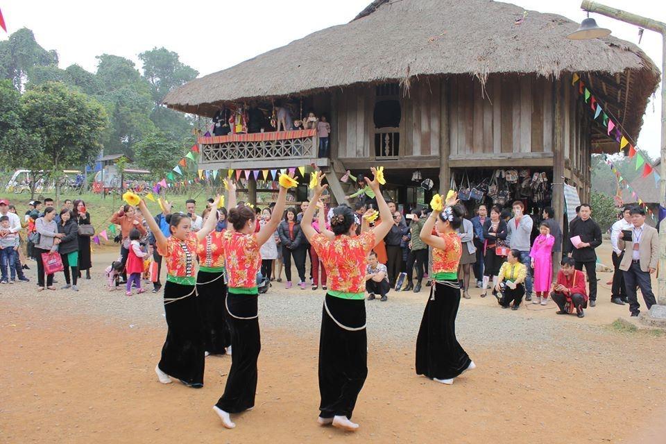 """Làng Văn hóa – Du lịch các dân tộc Việt Nam tổ chức chuỗi hoạt động """"Mùa xuân nho nhỏ"""" trong tháng 3"""