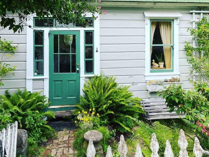 9 ngôi nhà từ các bộ phim và TV shows giờ đây đã xuất hiện trên Airbnb