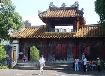 Cảnh đẹp khó cưỡng ở lăng vua sáng lập triều Nguyễn
