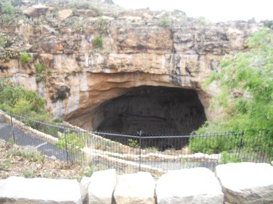 """Lối đi xuống """"địa ngục"""" tại vườn quốc gia Calsbad Caverns"""