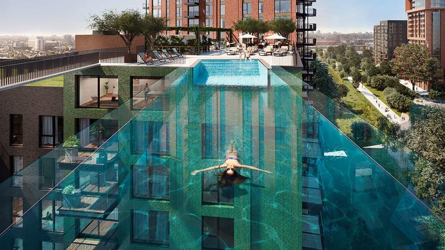 Thử cảm giác mạnh ở bể bơi trong suốt lơ lửng giữa London