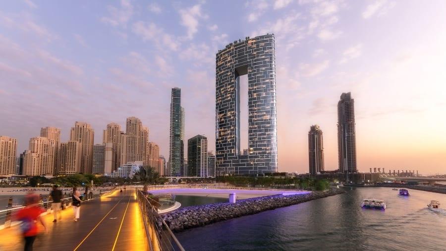 Bể bơi vô cực cao nhất thế giới ở Dubai