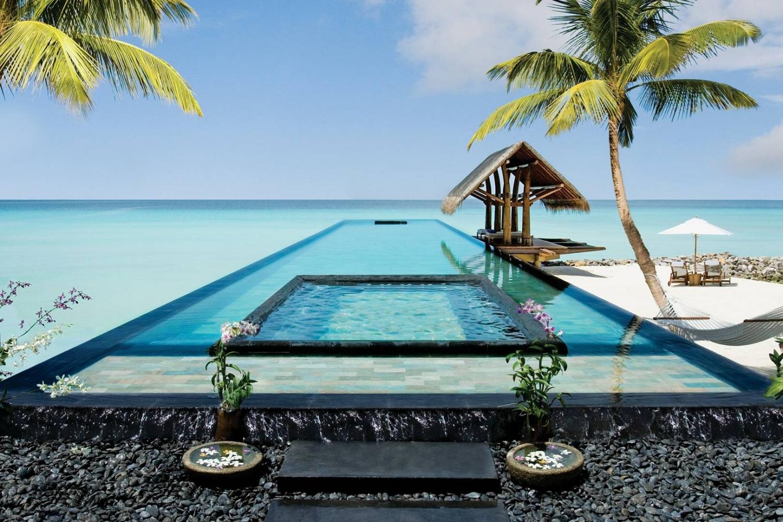 Top những bể bơi sang chảnh, tuyệt vời trên thế giới - 11