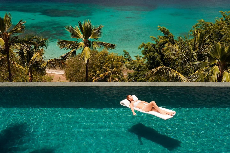 Top những bể bơi sang chảnh, tuyệt vời trên thế giới - 14