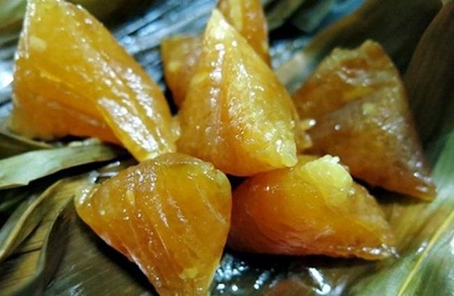 Món ăn mới cho du khách khi lên Tam Đảo: Bánh tro mật