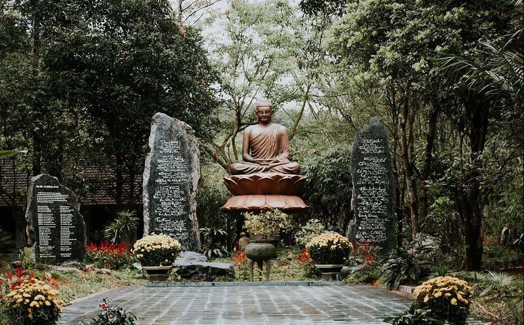 Về chốn bình yên cùng Huyền Không Sơn Thượng