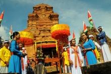 Tìm hiểu lễ hội Sắc màu Katê Bình Thuận 2019