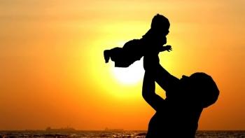 Bố cho con cái gì?