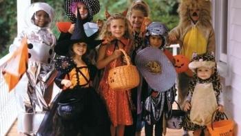 Halloween là ngày nào? Tại sao trong ngày Halloween lại có bí ngô?