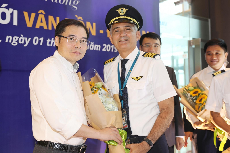 Sân bay Vân Đồn đón chuyến bay đầu tiên từ TP Đà Nẵng