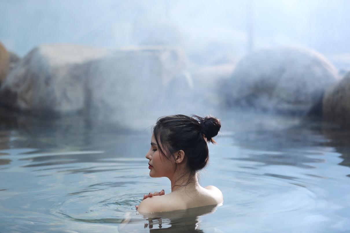 """Tung chiêu kích cầu khủng, du lịch Quảng Ninh """"hồi sinh"""" diệu kỳ"""