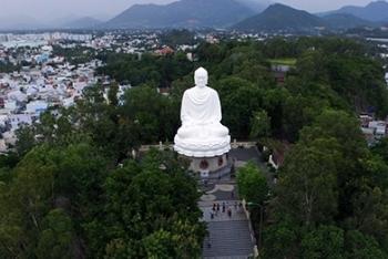 Khám phá vẻ đẹp 3 ngôi chùa nổi tiếng ở Nha Trang