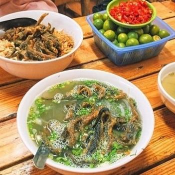Food tourism - Eel porridge, Xu Nghe soft cake